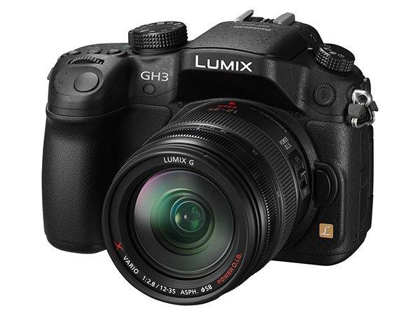 [Press Release] Kamera Panasonic Lumix GH3 (Tampak Pojok)