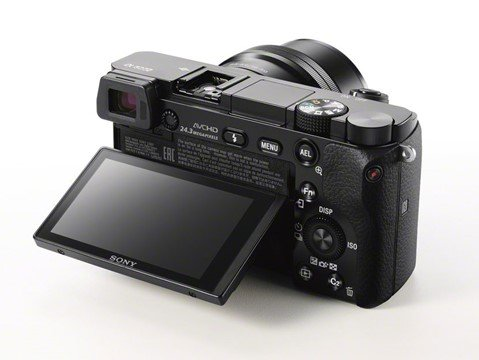 Kamera Sony A6000 (LCD), Image Credit : Sony