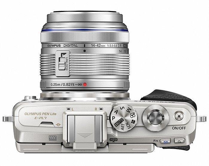 Kamera Olympus E-PL7 (Atas), Image Credit : Olympus