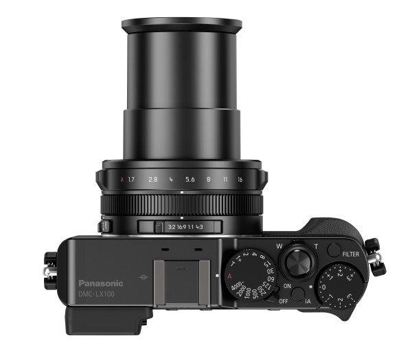 Kamera Panasonic LX100 (Atas), Image Credit : Panasonic