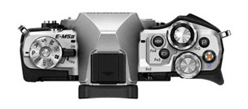 Kamera Olympus E-M5II (Atas)