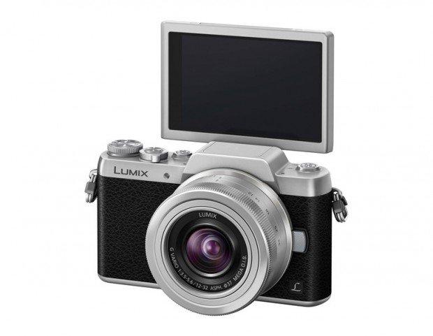 Panasonic Lumix GF7 (LCD Selfie), Image Credit : Panasonic