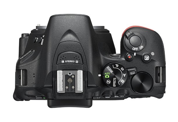 Kamera DSLR Nikon D5500 (Atas), Image Credit : Nikon