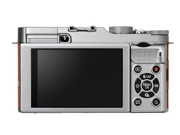 Fujifilm X-A1 (Belakang), Image Credit : Fujifilm