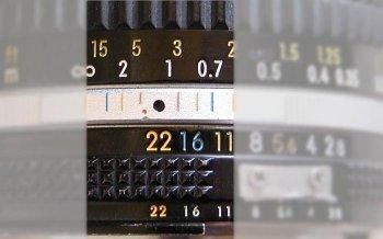 Area DOF dimaksimalkan sekitar 0.6m s/d tak terhingga, Image Credit : ephotozine.com