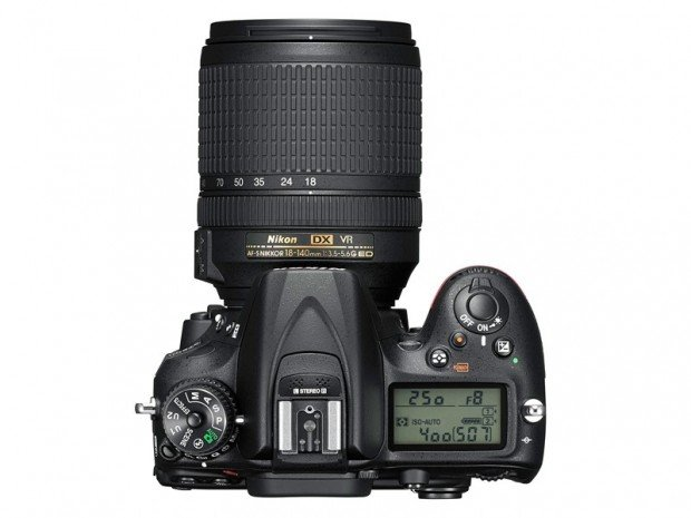 Kamera DSLR Nikon D7200 (Atas), Image Credit : Nikon