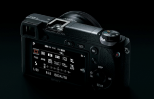 Sony A6100 atau A6000 Mk II