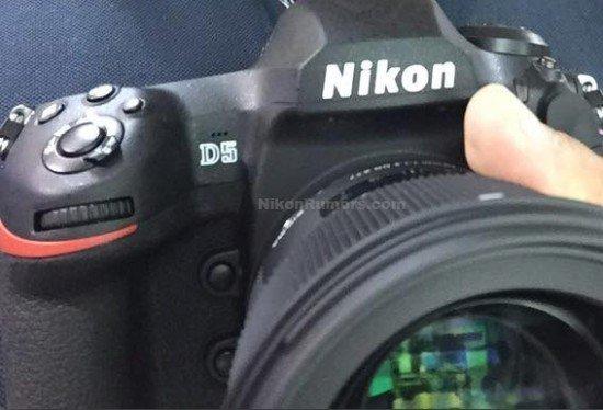 Foto Kamera DSLR Nikon D5 (Depan)