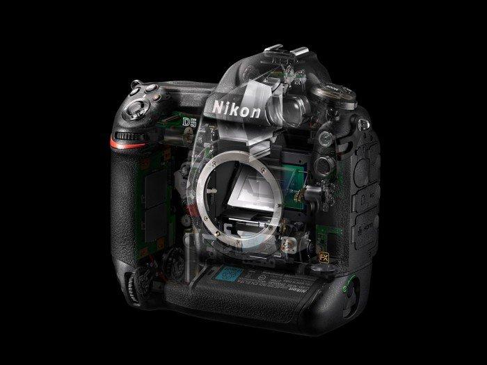 Kamera DSLR Nikon D5 (Transparan), Image Credit : NIkon