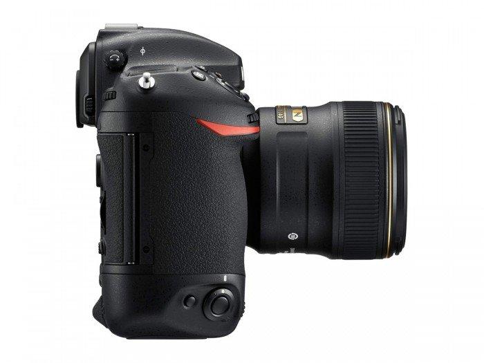 Kamera DSLR Nikon D5 (Kanan), Image Credit : NIkon