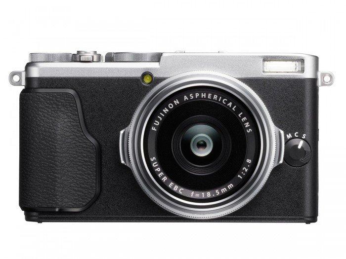 Kamera Fujifilm X70 (Silver), Image Credit : Fujifilm