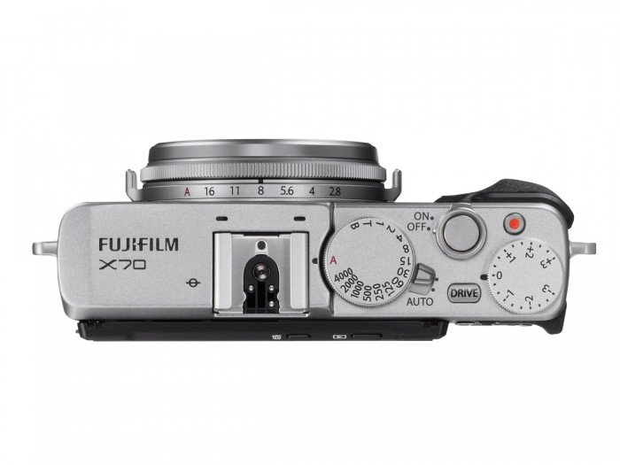 Kamera Fujifilm X70 (Atas), Image Credit : Fujifilm
