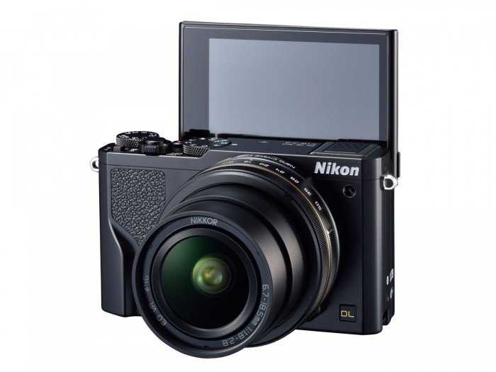 Kamera Nikon DL18-50 (LCD diputar), Image Credit : Nikon
