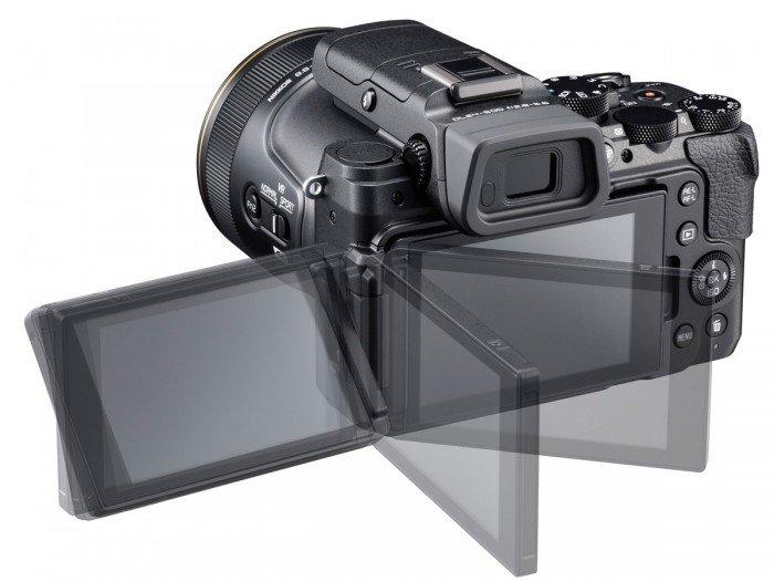Kamera Nikon DL24-500 (LCD full artikulasi), Image Credit : Nikon