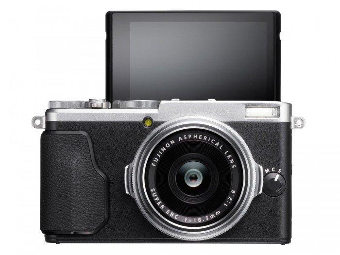 Kamera Fujifilm X70 (Mode Selfie), Image Credit : Fujifilm