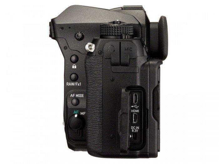 Kamera DSLR Pentax K-1 (Samping Kiri), Image Credit : Pentax