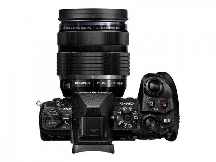 Kamera Olympus E-M1 Mark II (Atas), Image Credit: Olympus