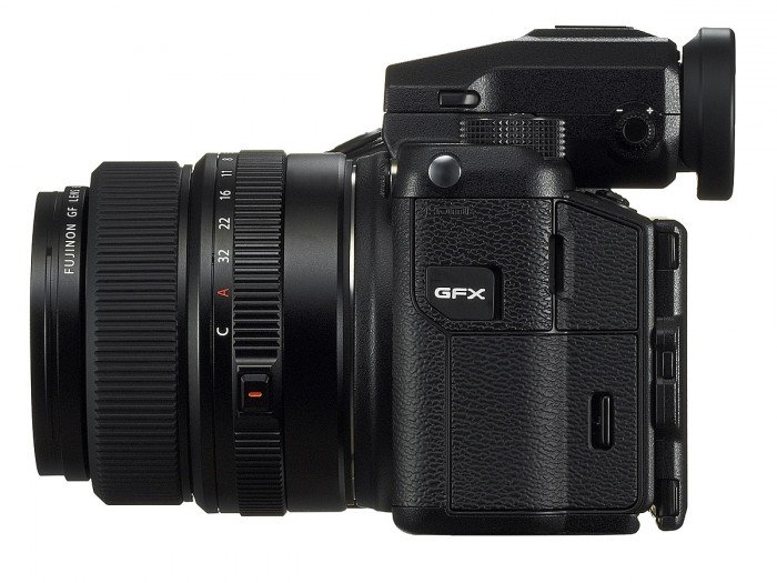 Kamera Fujifilm GFX 50S (Samping), Image CreditL Fujifilm