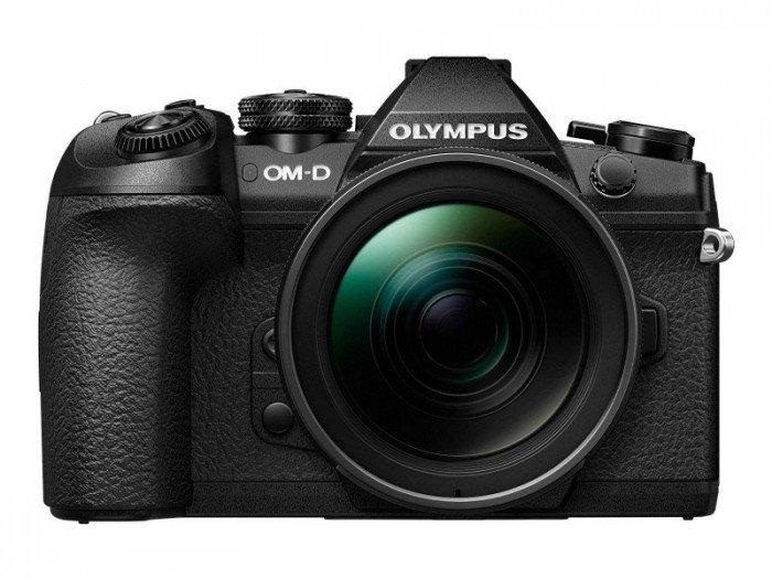 Kamera Olympus E-M1 Mark II (Depan), Image Credit: Olympus