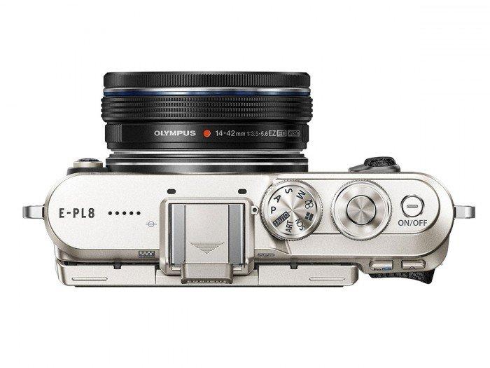 Kamera Olympus E-PL8 (Atas), Image Credit: Olympus