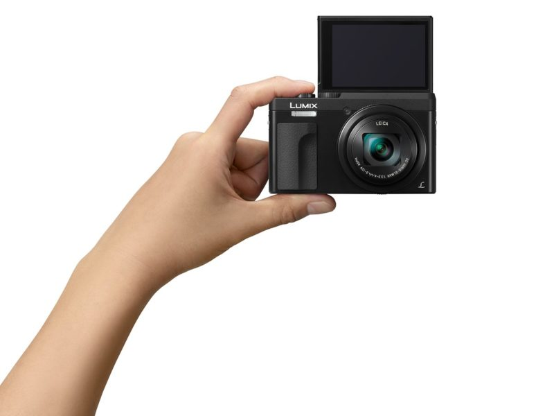Kamera Panasonic TZ90 (Selfie), Image Credit : Panasonic