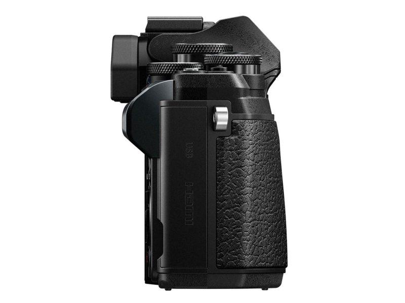Kamera Olympus E-M10 Mark III (Kanan), Image Credit : Olympus