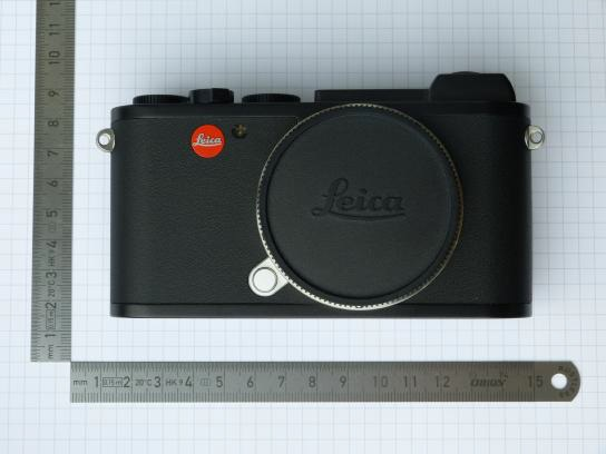 Leica CL Hitam (Depan)